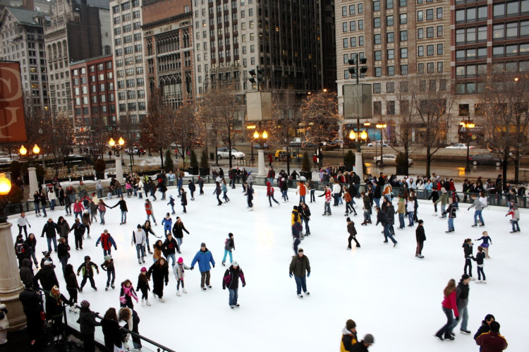Skating in Millennium Park - web