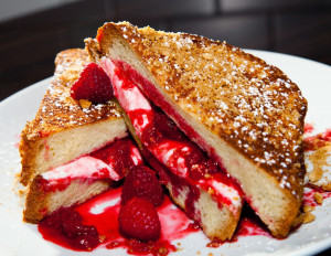 Kanela - strawberry french toast (web)