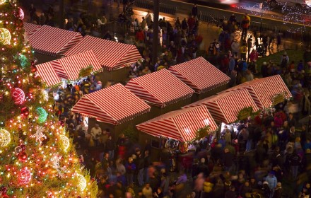 Christkindlmarket Hustle - Low Res (web)
