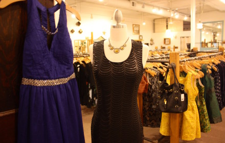 Bazar two dresses - horizontal (web)