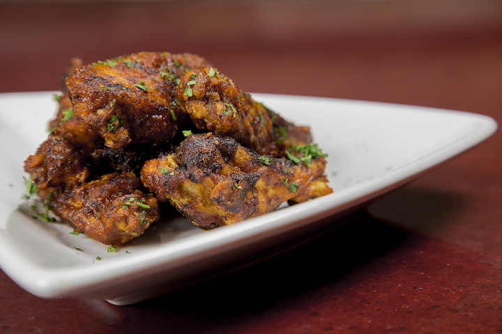 Kick - hotter_wings_(web)